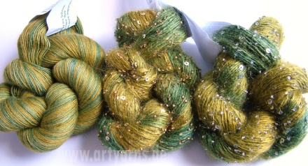 von links: Cashmere 1ply, Beaded Mohair & Sequins - silber, Beaded Mohair & Sequins gold