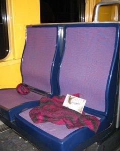 Maschenkunst im Zug in Frankreich - vielen Dank an Marion!